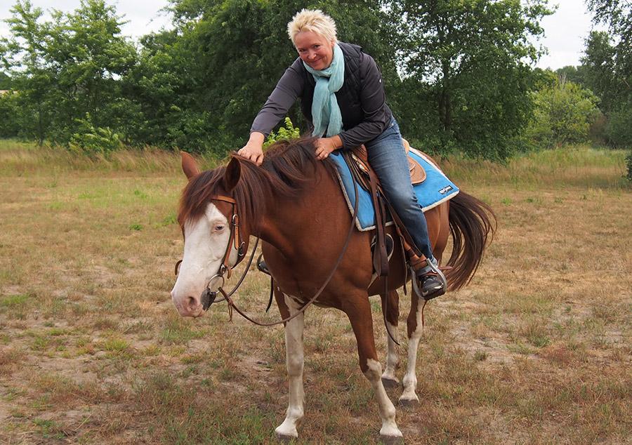 Wiebke Wiedeck mit Pferd Blue